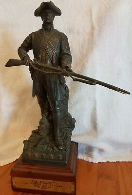 "2002 ""The Patriot"" Friends of NRA Figurine Statue - good shape - 12.5"" tall - NR"