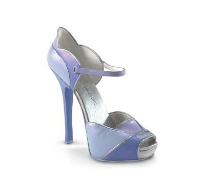 Just the Right Shoe *PETALS*810228*BRAND NEW IN BOX*RETIRED*