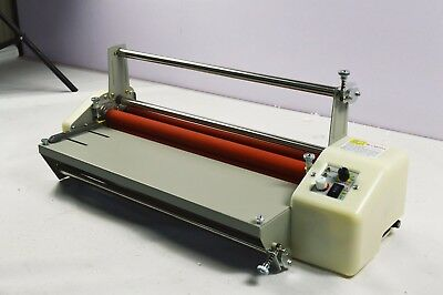 Adjustable Speed A2 Automatic Hot/Cold Laminating Machine Laminator 110V