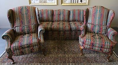 Opulent 3 Piece Moran Chesterfield Lounge Sofa Suite & Recliner Wing Chairs