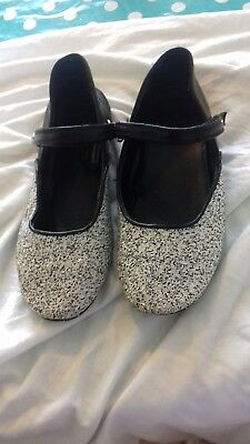 Girls glitter shoes, black and white (size 35) size ( 2. 2.5) good condition