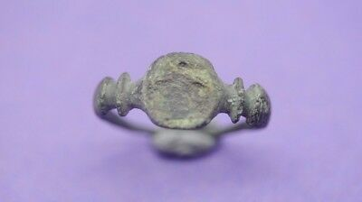 Nice ancient Roman bronze decorated ring 2nd-4th century AD