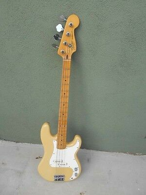 Fender Precision Bass Vintage 1983  With Case  Beautiful Condition