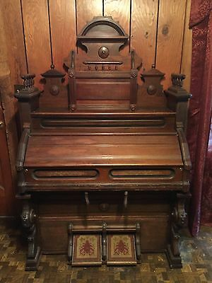 Antique Victorian Pump Organ Beautifull