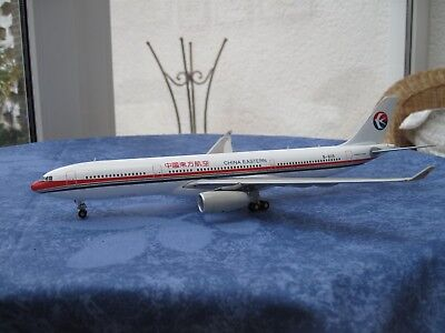 JC Wings 1:200 Airbus A330-300 China Eastern
