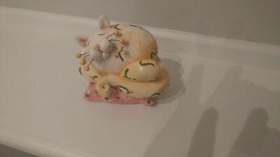 whimsiclay cat figurine, fat cat on pillow, Amy Lacombe, music box