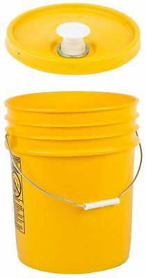 Hudson Exchange HDPE Bucket with Handle & Rieke Lid, 5 gal, White, 2 Pack
