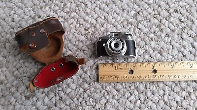 Vintage Crystar Miniature Spy Camera Made in Japan With Leather Case