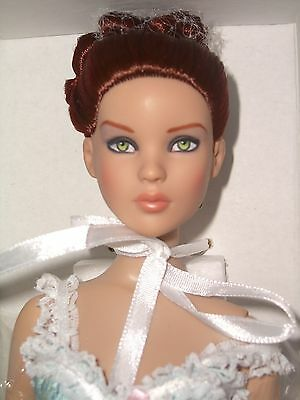 VICTORIAN BASIC Cami Tonner DOLL NRFB 2014 Convention BOX HAS WEAR READ