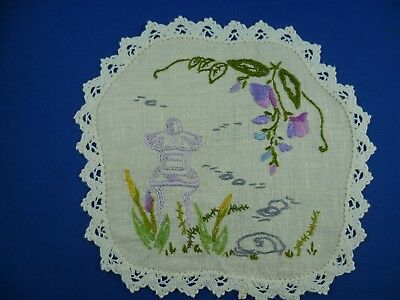 Vintage Hand Embroidered Garden Scene Small Doiley Cream Lace Edge