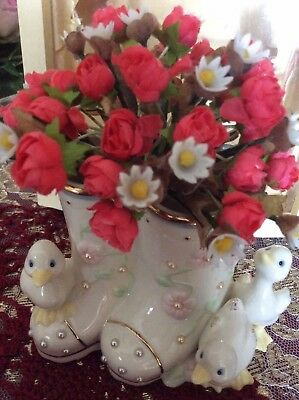 Lenox China Petals and Pearls Duck Bud Vase, Flowers