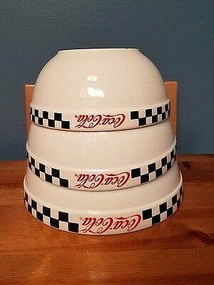 Nice 2002 Coca-Cola Gibson Set Of 3 Nesting Mixing Bowls Coke Soda Pop