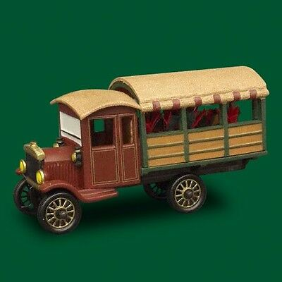 ~~ Poinsettia Delivery Truck ~~ 59000 New In Box ~ Dept 56 Christmas In The City