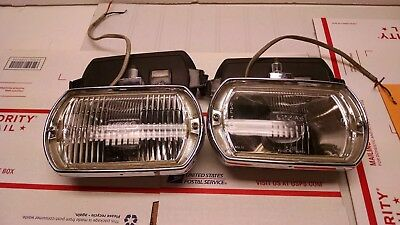 Nice Pair Of Vintage  Lucas Driving Lamps Ft/lr8 England No Rust  No Reserve