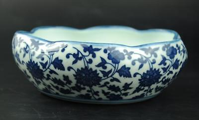 Old Chinese White and blue Porcelain Hand-painted flower writing-brush washer