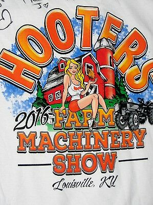 Hooters Fruit of Loom T Shirt Size Large White 2016 Farm Show Louisville Ky NWT