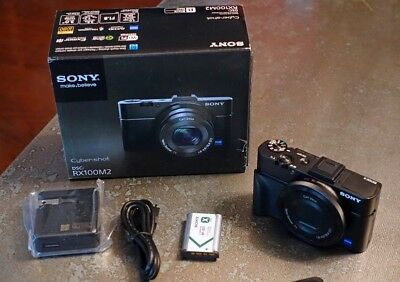 Sony RX100MII Mark II Mark 2 DSCRX100M2/B hot shoe, tilting LCD - MINT
