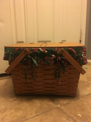 1994 longaberger  picnic basket with swing handles and insert tray