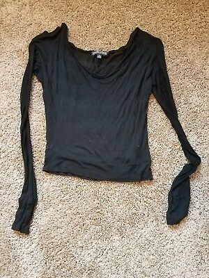 women living doll longsleeve size S. First bidder will win this auction!