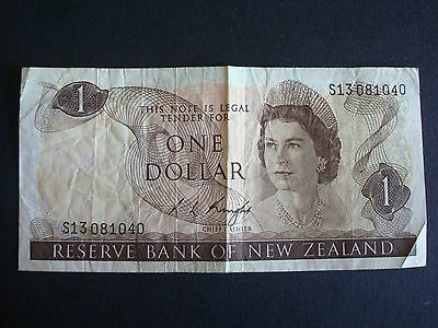 NEW ZEALAND - 1970s $1 PAPER BANK NOTE - R L KNIGHT