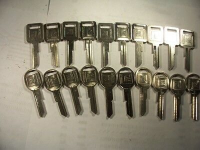 10 Sets  Gm  Nos Genuine   J & K   Briggs & Stratton   Key Blank   Uncut