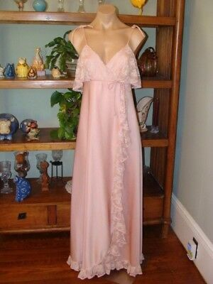"""Ladies/Womens Vintage Long Nylon Nightgown - Bust to 34"""" - Soft Pink"""