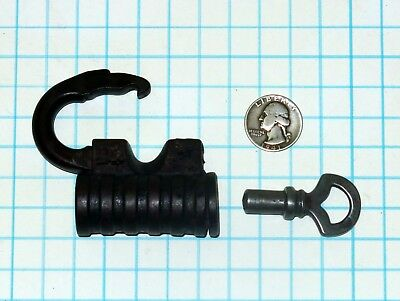 Vtg Antique Old Russell and Erwin Lock Co SCREW KEY Padlock Malleable Iron RECo