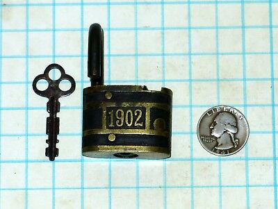 Vtg Antique Brass 1902 GUARD Slaymaker Lock Co RFD Type Shackle Padlock and Key