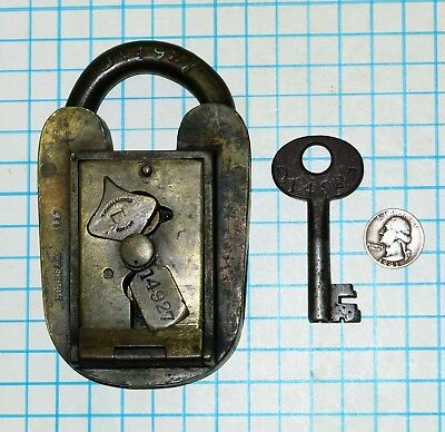 Vtg Antique Tucker & Reeves Hobbs & Co Customs & Excise Seal Padlock Lock & Key