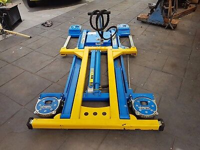 Mobile Car Hoist