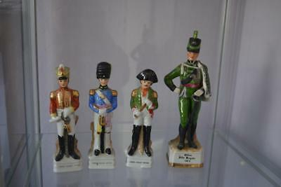 4 alte Porzellanfiguren - FRENCH CAVALRY OFFICER & OFFICER RIFLE BRIGADE