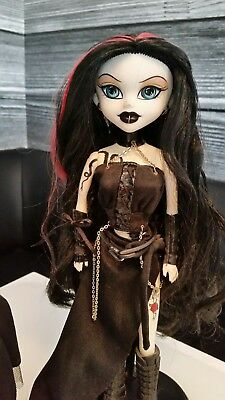 Bleeding Edge *Atara Inferno, Crypt Club Exclusive* Fashion Doll, Begoth, emo,
