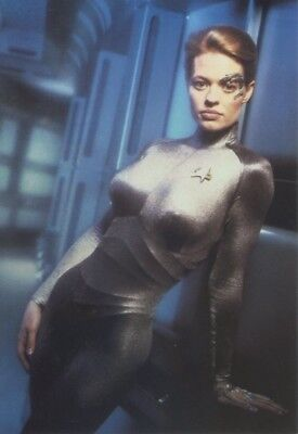 "JERI RYAN - SEVEN OF NINE - STAR TREK - Original Paramount 6"" x 4"" Postcard B#DD"