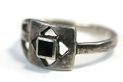 "D273 Ring Sterling 3g 925 top 3/8""w  onyx square center size 8 1/2"
