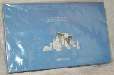 AVON Nativity Collectibles Wood Stable Creche for White Bisque set New in Box