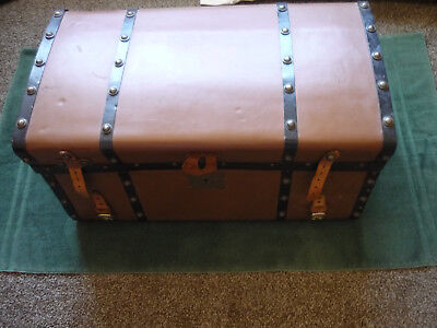 """ANTIQUE JENNY LIND WESTERN STAGECOACH """"reduced""""  / LEATHER COVERED TRUNK"""