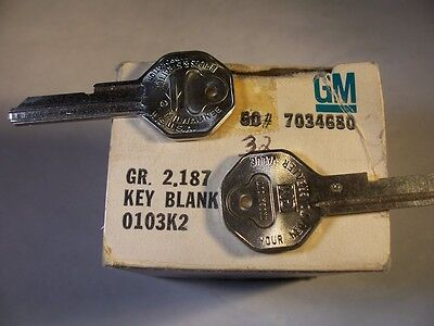 2 Keys  Briggs & Stratton  Oem  Gm  C   1967   Key Blank Uncut  Original