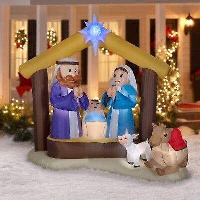 Christmas inflatable yard decorations holy family for Air blown decoration