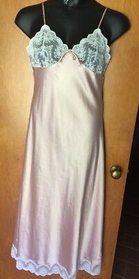 Vtg MARSHA BERGEN For COLONIAL Shiny Satin Nightgown lace trim SZ:L lovely!