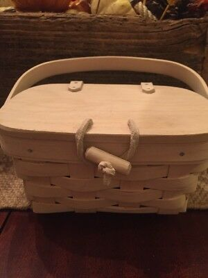 Longaberger basket With Lid And Leather Trim