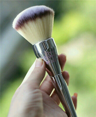 # 211 IT Cosmetics Ulta Live Beauty Fully All Over Powder Jumbo Brush airbrushed