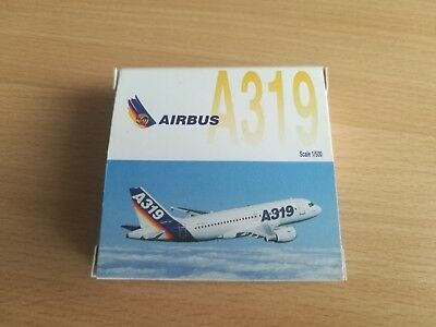 Airbus A319 - in Airbus Farben - Herpa  1/500 - 508902