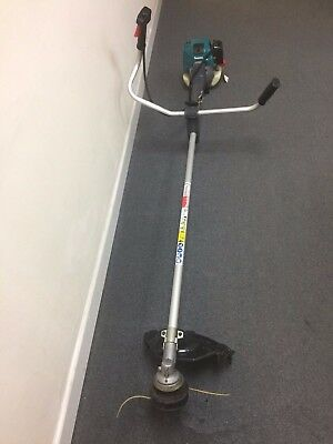 Makita EM4340L 33.5cc 4 Stroke Brush Cutter and grass trimmer over £500 new