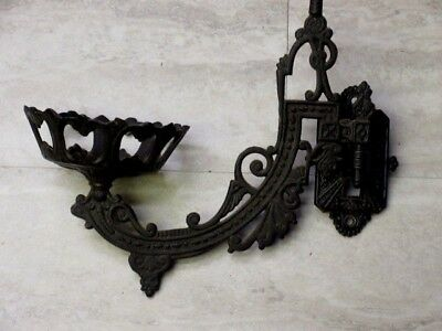 Victorian Style Wilton Cast Iron Wall Oil Lamp Holder With Wall Mount Bracket