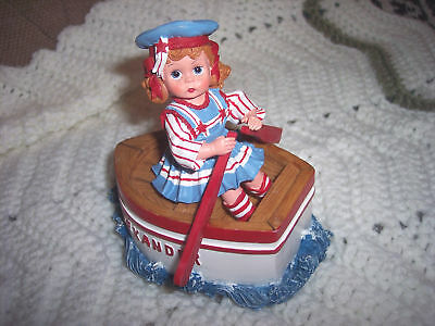 Madame Alexander Row Row Row Your Boat 90355 Music Box