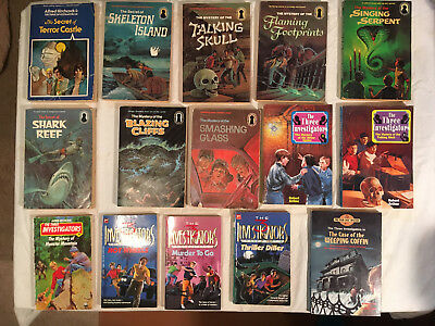 Lot ALFRED HITCHCOCK and THREE INVESTIGATORS Keyhole BLAZING CLIFFS Crimebusters