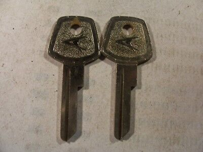 2 Keys Old  Vintage Org  Chrysler  1960   Key Blank   Uncut      Locksmith