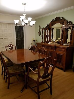 Vintage Mahogany Dining Room Set with 3 leaves, Two armchairs, and 4 side chairs