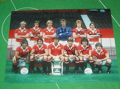 Manchester United 1977 Team Photo Signed x 8 Pearson Macari Hill Stepney etc
