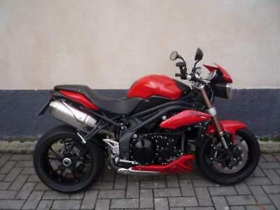 TRIUMPH Speed Triple 1050 NAKED